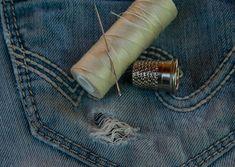 Como Montar uma Confecção de Jeans  Como Montar uma Confecção de Jeans, Como Montar uma Fábrica de Jeans, Como Montar uma Indústria de Confecção  Projeto de Confecção de Jeans, Projeto de Fábrica de Jeans, Projeto de Indústria de Confecção   http://www.engetecno.com.br/port/proj.php?projeto=industria-de-confeccao-para-producao-de-calcas-jeans-300-pecas-dia  ENGETECNO: 35. 3721.1488