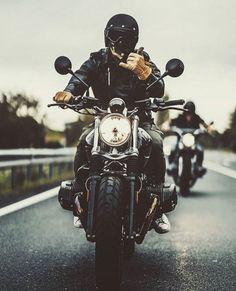 Badass biker ▲ the fiz way: badass bikers ▲ motorcycle bike, Chopper Motorcycle, Cafe Racer Motorcycle, Motorcycle Style, Motorcycle Helmets, Biker Style, Motorcycle Accessories, Motos Vintage, Vintage Motorcycles, Nine T Bmw