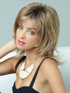 Stunning Shoulder Length Hairstyles for Round Faces
