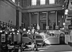 View of the Great Hall built by the newly created London & North Western Railway in 1846 in the 1837 terminus of the London & Birmingham Railway. Ahead is the grand staircase leading to the gallery and shareholders'. English Architecture, London Architecture, Euston Station, London Birmingham, Old London, Blitz London, Vintage London, London History, Train Pictures