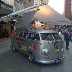 A great Cheezy Kombi Kombi Trailer, Vw T1 Camper, Vw Bus T2, T3 Vw, Food Trailer, Volkswagen Bus, Food Cart Design, Food Truck Design, Kombi Food Truck