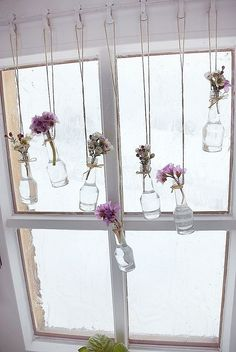 September Wedding Flowers, Deco Champetre, Small Glass Bottles, Deco Originale, Deco Floral, Room Decorations, Spring Decorations, Diy Home Decor, Diy And Crafts
