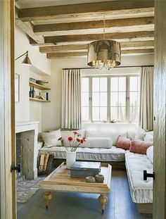 This is the dreamiest living space!! Love the low sofa, thick cushions, pillows and bolsters