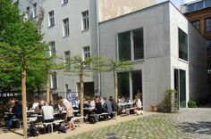 Chipperfield Architects Canteen, impressive minimalistic building and interior, good food and lunch menu, lovely courtyard