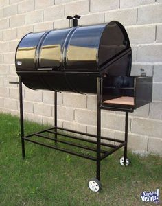 imagínense con este bello asador Homemade Grill, Diy Grill, Smoker Designs, Barrel Bbq, Custom Bbq Pits, Grill Design, Stove Fireplace, Charcoal Grill, Grilling