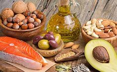 The traditional way to lose weight is to eat fewer calories while you eat low-fat.The most popular way to lose weight is currently by embracing fats and removing the carbohydrates from the diet.Fats are no longer the enemy but carbohydrates. Low Carb Paleo, Keto Fat, Low Carbohydrate Diet, Cholesterol Diet, Cholesterol Symptoms, Cholesterol Levels, Dieta Dash, High Fat Foods, Best Keto Diet