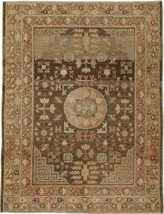 Antique Khotan Rug, No.18414 - Galerie Shabab