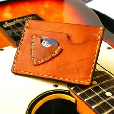 Personalized Men Slim wallet pick guitar case Hand Stitched / Gift for Him Card Wallet, Purse Wallet, Card Case, Leather Tooling, Leather Bag, Leather Wallets, Handmade Leather Wallet, Slim Wallet, Leather Projects