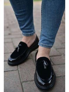 Casual Black Men`s Shoes – La La Shoeland Trendy Mens Shoes, Formal Shoes For Men, Shiny Shoes, Black Shoes, Shoe Chart, Converse Style, White Converse Fashion, Gentleman Shoes, Shoe Collection
