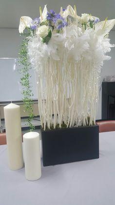 전례꽃-주님의 거룩한 변모축일 : 네이버 블로그 Flower Show, Flower Art, Flower Decorations, Table Decorations, Church Flower Arrangements, Corporate Flowers, Bouquet, Dried Flowers, Diy And Crafts