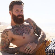Beard + tattoos= Hell Yes!