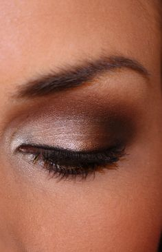 Classic brown smoky eye