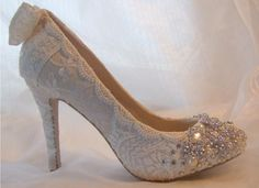 http://www.bagshoes.net/img/Wedding-Shoes-Ideas-and35.jpg