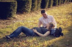 outdoor maternity pictures---possibly fall with leaves turning