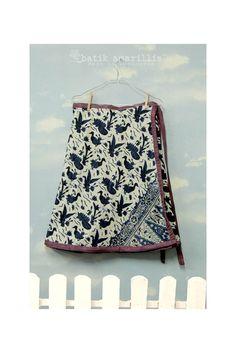 www.batikamarillis-shop.com Model Rok, Batik Kebaya, Amarillis, Batik Fashion, Sarongs, Traditional Fashion, Dress Styles, All About Fashion, Modern Fashion