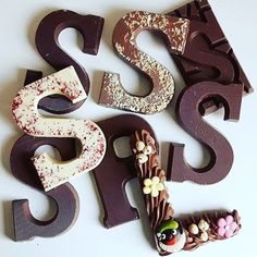 The best tradition ever! Chocolate letters from  Sinterklaas .....only if you've been good ALL YEAR though 😜 #chocoladeletters #sinterklaas #netherlands #stuffdutchpeoplelike (📷@boterkasseirenblog)