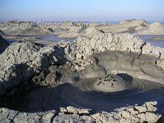 Azerbaijan - Gobustan / Qobustan / Kobustan - Baki Sahari: bubbling mud volcano (photo by Austin Kilroy) this image is part of Travel-Images.com