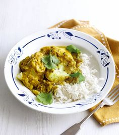 Yogurt and turmeric fish curry recipe. This fish curry is made using Greek yogurt. It's simple to make, and perfect for a quick and easy midweek meal. Turmeric Recipes, Curry Recipes, Fish Recipes, Seafood Recipes, Indian Food Recipes, Cooking Recipes, Healthy Recipes, Recipies, Indian Foods