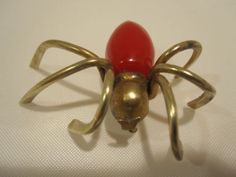 Vintage-Bakelite-amp-Brass-Big-Red-Spider-Pin-Brooch
