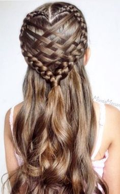 110 Best Bohemian and Wedding Braided Hairstyles That Comb Turn Heads for Fashion Girls – Page 103 – My Beauty Note Source by mybeautynote. French Braid Hairstyles, Bohemian Hairstyles, Box Braids Hairstyles, Pretty Hairstyles, Girl Hairstyles, Easy Hairstyle, Hairstyles Pictures, Hairstyles Videos, Braid Styles