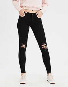 See our astonishing collection of girls' outfit at American Eagle Outfitters. Ripped Knee Jeans, Ripped Jeggings, Ripped Skinny Jeans, High Waist Jeans, Black Jeans, Camo Denim Jacket, Cropped Denim Jacket, American Eagle Outfits, American Eagle Shirts