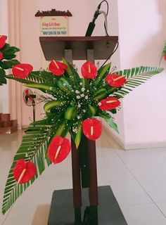 1 million+ Stunning Free Images to Use Anywhere Creative Flower Arrangements, Tropical Flower Arrangements, Christmas Flower Arrangements, Ikebana Flower Arrangement, Beautiful Flower Arrangements, Tropical Flowers, Beautiful Flowers, Boho Beautiful, Altar Decorations