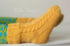 Willa Vinja: Keltaiset sukat
