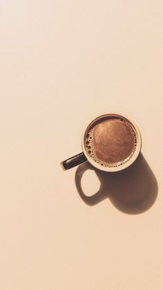 Картинки,  заставка,  кофе Cream Aesthetic, Aesthetic Coffee, Brown Aesthetic, Aesthetic Backgrounds, Aesthetic Wallpapers, Photo Café, Coffee Pictures, Minimalist Wallpaper, Minimalist Photography