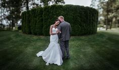 Matt Shumate Photography Hagadone wedding at the Coeur d'Alene bride and groom portrait extreme bokeh panorama on golf course