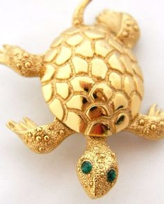 Monet Turtle Tortoise Figural Pin Brooch Gold Tone Signed Costume Jewelry #Monet