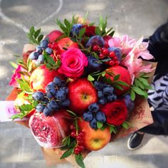 ideas fruit bouquet diy ideas floral arrangements for 2019 Fruit Box, Fruit And Veg, Thanksgiving Fruit, Edible Bouquets, Fruit Appetizers, Healthy Fruit Smoothies, Fruit Dishes, Fruit Party, Diy Bouquet
