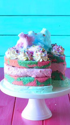 Cotton Candy Ice Cream Cake is part of Yummy desserts Recipes Easy - Cotton candy fiends will be on cloud nine with this cotton candy cake layered with cotton candy ice cream and topped with real cotton candy Köstliche Desserts, Dessert Recipes, Cupcake Recipes, Macaroon Recipes, Cotton Candy Cakes, Cotton Cake, Cotton Candy Recipes, Cotton Candy Fudge, Cotton Candy Drinks