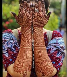 #BeautifulBride 🥰🥰🥰 #mehendi Designes #bride , comment your favourite and tag your bestie who should try... ——————————————————————…