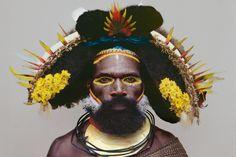 Huli tribesman, Kikita village, Southern Highlands, Papua New Guinea // ph. Malcolm Kirk