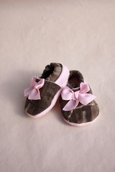 baby girl shoes Realtree camo infant shoes soft sole by haddygrace, $25.00