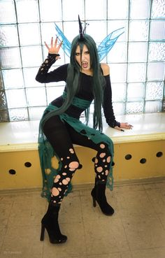 I have some ripped leggings mai mom is making me give away, I could just do this Cosplay!