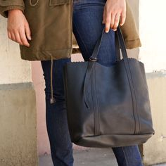 Bleu de Chauffe, Leather Tote bag Sido. Cabas cuir Sido. Made in France