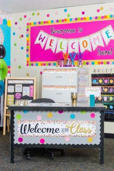 Confetti Classroom by Teacher Created Resources - Confetti Classroom Decorations - Kindergarten Classroom Setup, Classroom Board, Classroom Decor Themes, New Classroom, Classroom Setting, School Decorations, Classroom Design, Classroom Displays, Classroom Ideas