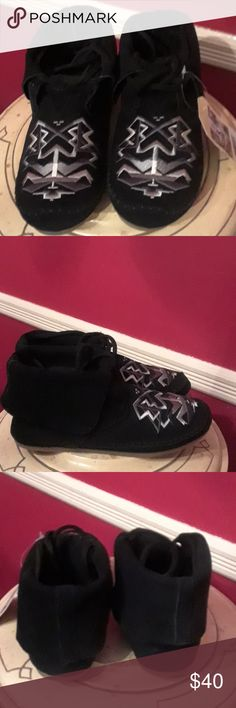 SALE: Tom's Shoes Black Suede shoe, size 7, NEW Embroidered top in white and grey. Shoes Flats & Loafers
