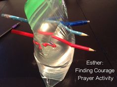 Flame: Creative Children's Ministry: Esther: Finding Courage Prayer Activity                                                                                                                                                      Más