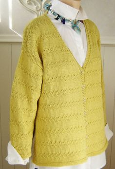 Nice and light for a cotton cardigan to knit in sportweight yarn. Stitch Patterns, Knitting Patterns, Cardigan Pattern, Cardigan Fashion, Cotton Cardigan, Garter Stitch, Easy Knitting, Slip Stitch, Summer Wear