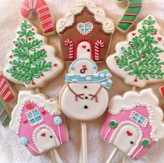 Sugar: Christmas. Gingerbread houses. Trees. Candycanes. Snowman.