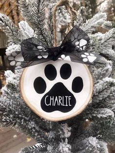 Dog Ornaments, Ornament Crafts, Personalized Christmas Ornaments, Diy Christmas Ornaments, Homemade Christmas, Diy Christmas Gifts, Holiday Crafts, Christmas Holidays, Christmas Decorations