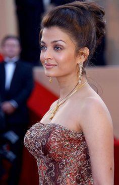Aishwarya Cannes Francia les egares premiere 2003