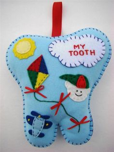 BOYS HAND~MADE BLUE FELT TOOTH FAIRY PILLOW W/AIRPLANE, KITE & SUN ~ FROM THE CHRISTMAS WINDOW Tooth Pillow, Tooth Fairy Pillow, Sewing To Sell, Felt Decorations, Sewing Projects For Kids, Animal Pillows, Felt Art, Felt Ornaments, Quilt Tutorials