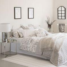 Kuvahaun tulos haulle zara home Zara Home, Bedroom Inspo, Home Bedroom, Bed Linen Design, Simple Bed, Comforter Cover, Grey Flooring, Bed Sets, Design Your Home