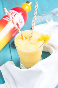 Boozy Pineapple Mango Slush Frozen pineapple chunks Frozen mango chunks Pineapple juice Lime juice Vodka (I like Pineapple-Mango Svedka) Ice Pineapple for garnish (optional)