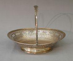 Cake basket, ca. 1785. British. The Metropolitan Museum of Art, New York. Rogers Fund, 1910 (10.16.15)