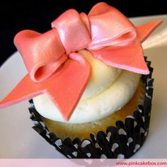 Love this cupcake from pinkcakebox.com