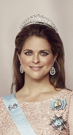 "Madeleine, princess of Sweden, duchess of Hälsingland and Gästrikland wearing  ""Carl XVI Gustav Modern Fringe Tiara"""